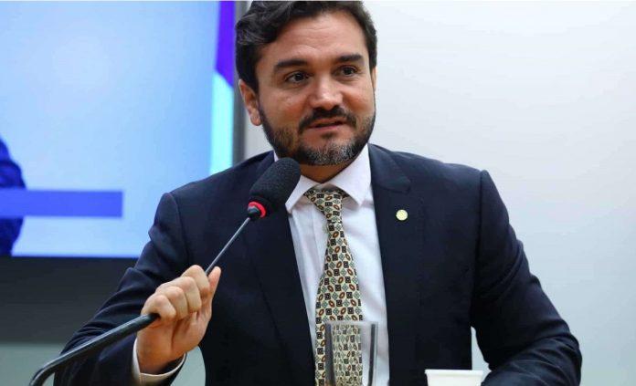Celso Sabino tem pedido de expulsão enviado ao Conselho de Ética
