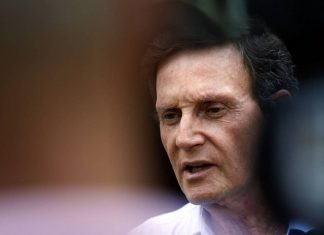 Ministério Público faz buscas na residência de Marcelo Crivella
