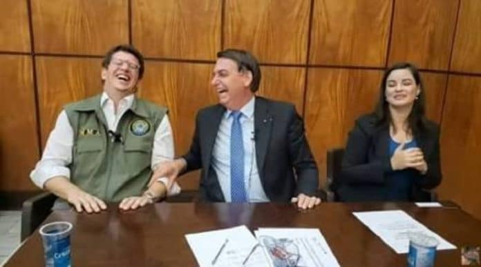 Alexandre de Moraes arquiva notícia-crime contra Ricardo Salles no caso da reunião ministerial