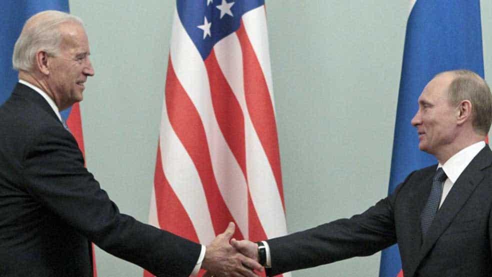Putin parabeniza Biden por vitória sobre Trump em eleição