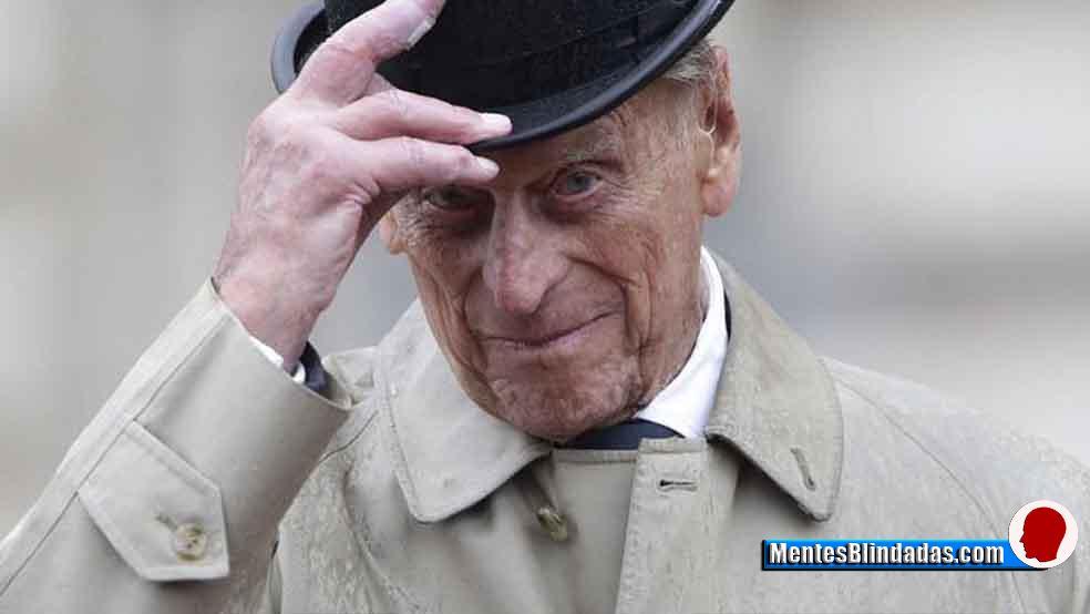 Morre com 99 anos o Príncipe Philip, marido da Rainha Elizabeth II